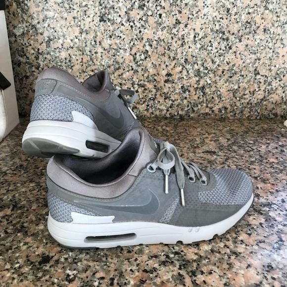 quality design f5801 e41ab Nike Air Max Zero Tinker Hatfield Men s 9.5. M 5b00f384f9e50127c972f0ad